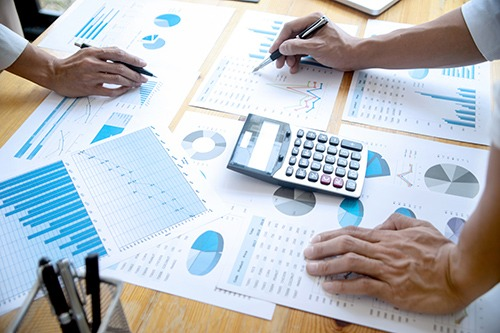 Comment faire une analyse concurrentielle en 5 étapes simples
