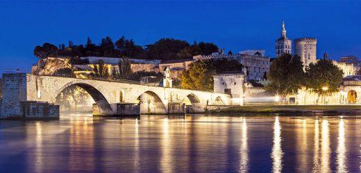 Voyage à Avignon : quelle solution de stationnement pour sa voiture ?