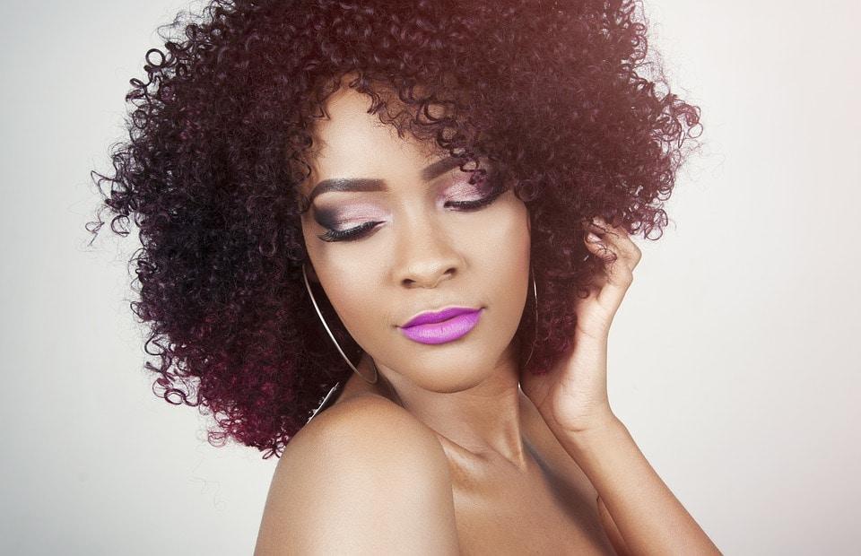 Cheveux crépus, frisés et bouclés : les secrets de leur beauté