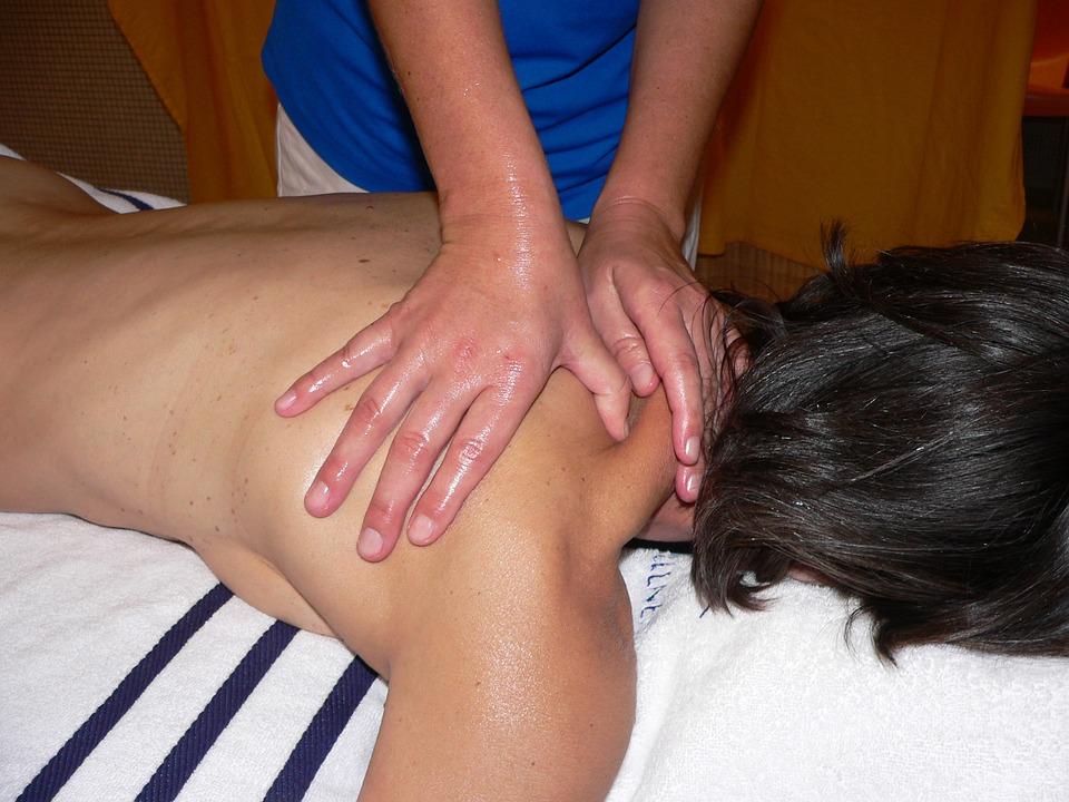 Quelle huile de massage utiliser pour un massage tantrique Paris ?