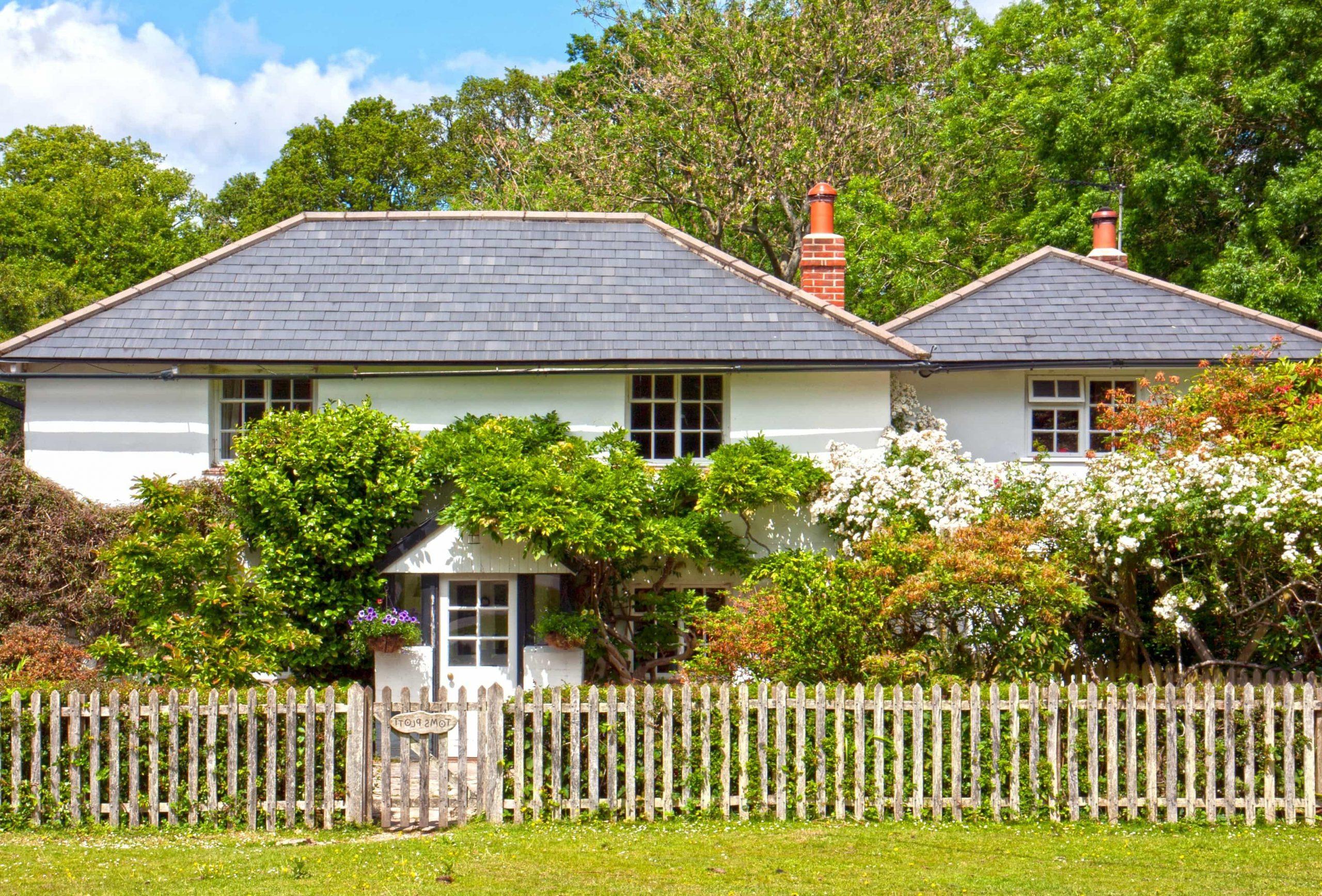 Quelles sont les règles à respecter en matière d'installation de clôture ou de grillage de jardin?