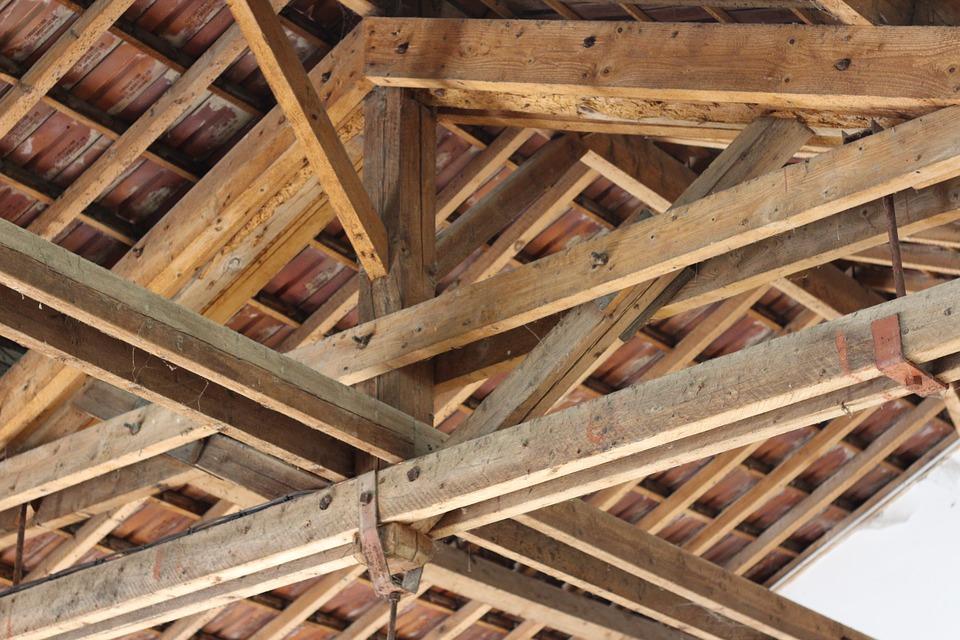 Choisir une charpente pour sa toiture : les points à savoir au préalable