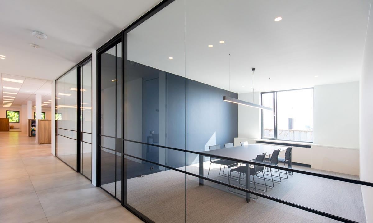 Installer une cloison vitrée chez soi