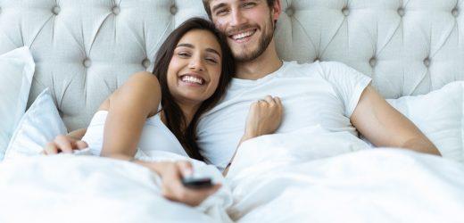 Couple : Les dimensions idéales pour votre literie
