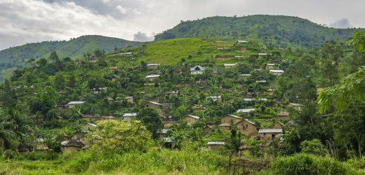 Emile Ouosso présente les différence entre les deux Congo