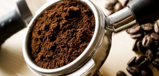 Par quels procédés décaféine-t-on le café ?